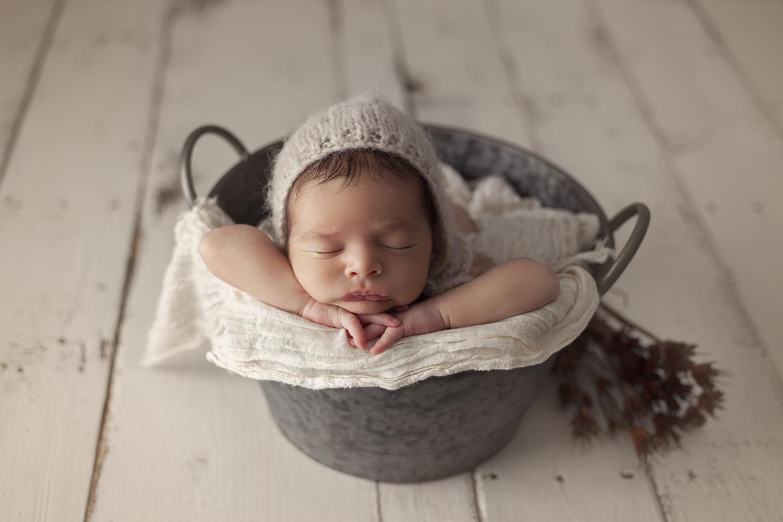 fotografa-familia-y-recien-nacido-en-valencia
